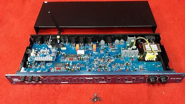 vang-co-jbl-k12-plus-bluetooth-2